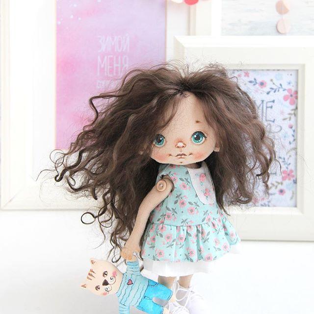 Куколка с котиком. #куклысахаровойнатальи