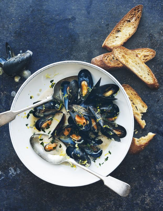 Mussels With Lemon & Ale | Cook Good Food | William Sonoma Recipe Book | Eva Kolenko Photograhpy