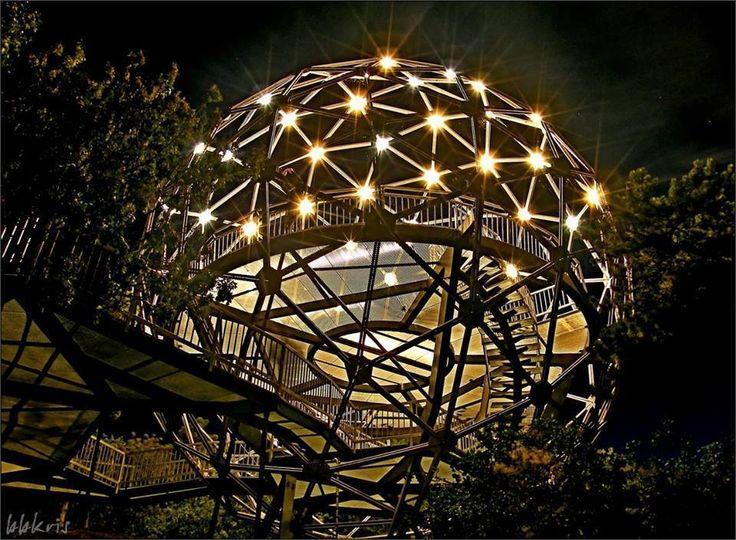 Balatonboglár, kilátó éjjel