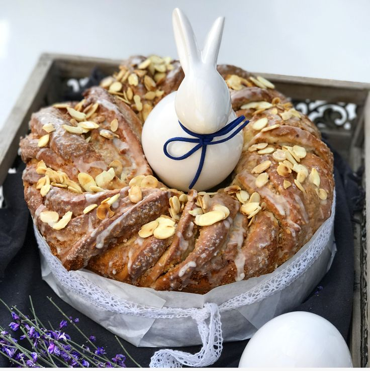 Für ein leckeres Frühstück an Ostern kann ich diesen leckeren Walnuss Eierlikör Hefekranz nur empfehlen.