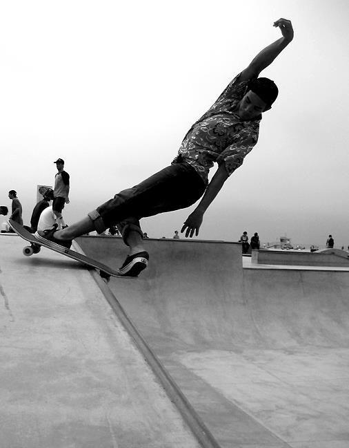 Stylish Front Rock. More skate spots at http://skate.youspots.com