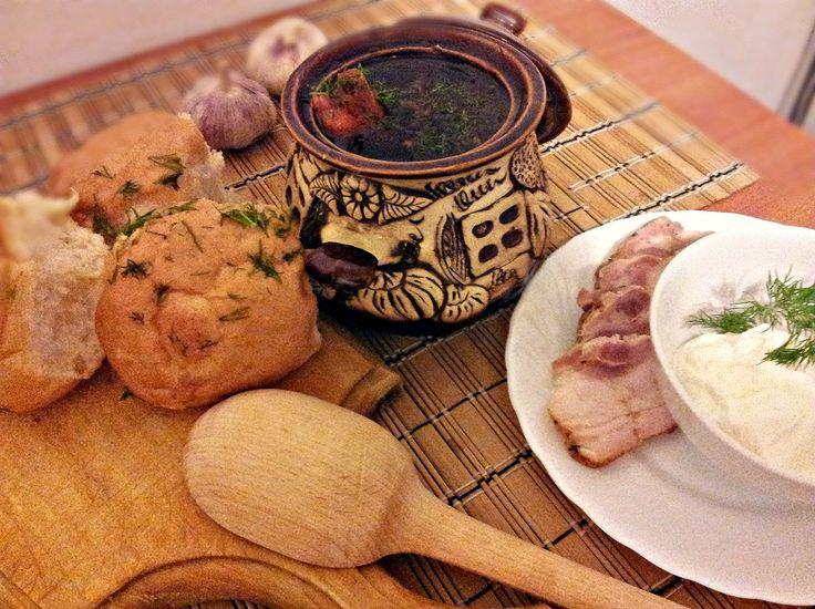 Український борщ з пампушками. Історія та секрети приготування