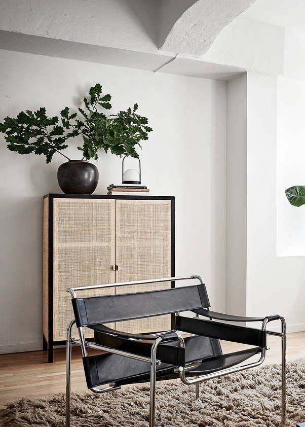 Living Room With Black Accents Coco Lapine Design Minimalist Living Room Decor Minimalist Living Room Living Room Designs