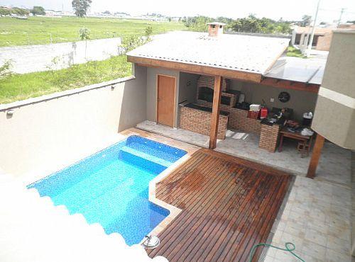 quintal pequeno com piscina