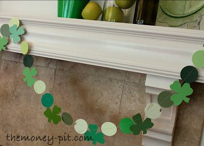 St. Patty's Day Mantle. - The Kim Six Fix
