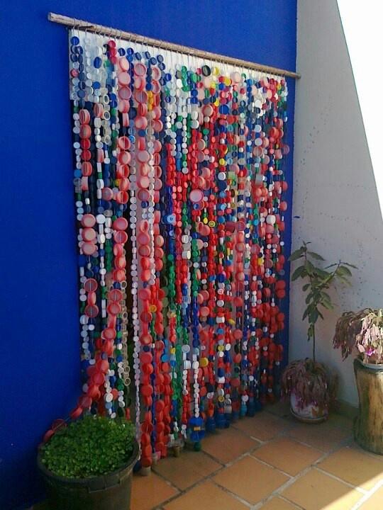 82 best decoraciones con tapones images on pinterest - Decoracion con cortinas ...