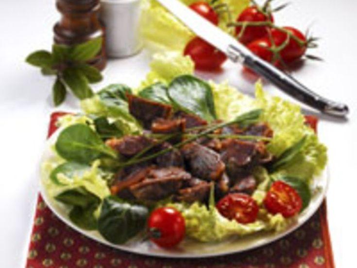 Découvrez la recette Salade de mâche aux gésiers confits sur cuisineactuelle.fr.