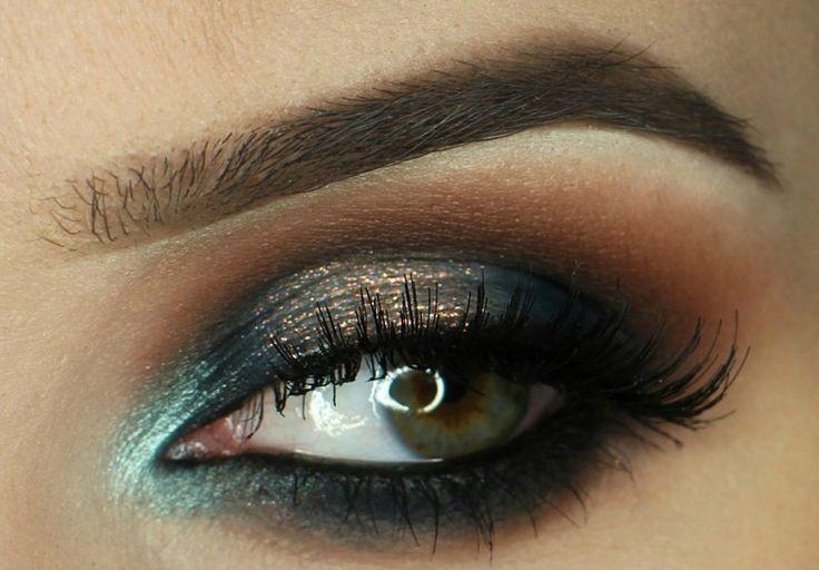 Krok za krokom: Dramatické líčenie vo farbe nočnej oblohy - KAMzaKRÁSOU.sk#kamzakrasou #sexi #love #make-up #dyi #diy #make-up #tutorials #eyes #eyes-tutorials #beauty #cosmetics #eyes-shadow #maskara #licenie #liner #beautiful #pretty #pink #gil #woman #womanbeauty #womanpower #love #follow4follow #followforfollov #like4like #likeforlike #picoftheday #amazing #inwag #fbgood #history #kamzakrasouKrok Krok za krokom: Jednoduchá elegancia - KAMzaKRÁSOU.sk