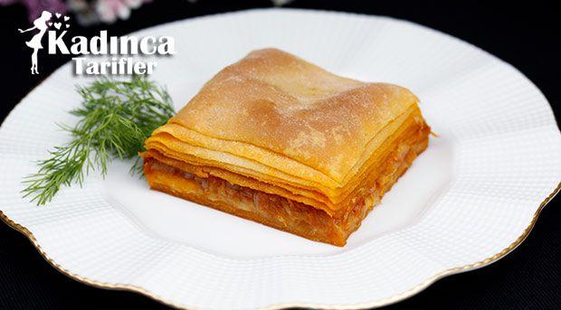 Soğanlı Börek Tarifi nasıl yapılır? Soğanlı Börek Tarifi'nin malzemeleri, resimli anlatımı ve yapılışı için tıklayın. Yazar: AyseTuzak