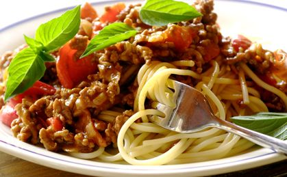 Speedy Spaghetti with mince and red peppers