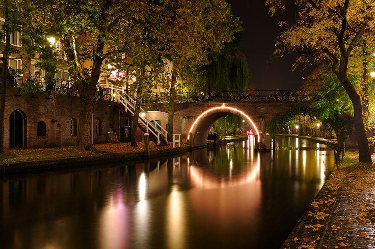 Donker Utrecht - Jacobibrug over Oudegracht