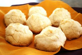 A Lazy Girl's Guide to Living Gluten Free: Gluten-Free 7-Up Biscuits