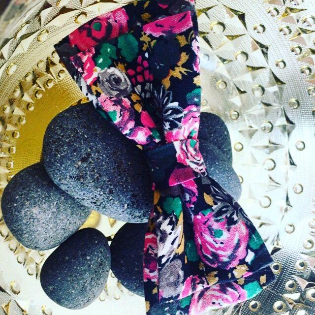 Bow tie by Barabara.