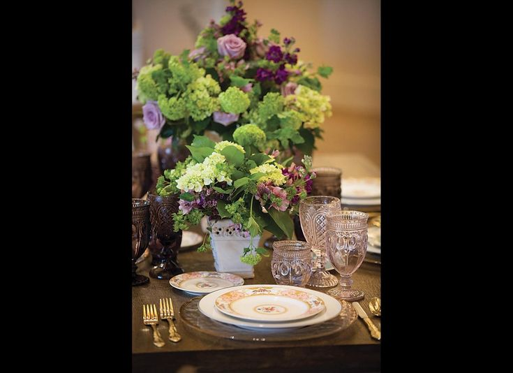 Flowers in season is one of The Top 16 Wedding Trends For 2016. Garden by the Gate will use home-grown flowers or wildflowers whenever possible.