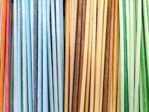 festés Добиваемся нужного цвета бумажных трубочек для плетения: видеоурок | Ярмарка Мастеров - ручная работа, handmade
