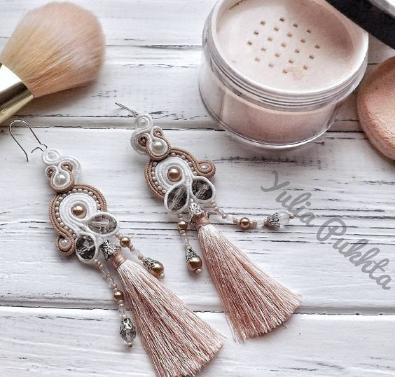New powder shade tassel earrings are ready and looking for an owner.  Don't allow anybody take away #earringsofyourdream  Нові сережки китиці відтінку пудри вже готові і шукають власницю.  Не дозволяй нікому забрати #сережкитвоєімріі  #soutache #soutacheearrings #earrings #jewelry #jewelrycollection #earringsoftheday #fashioninspiration #stylefile #beautyaddict #glamour #look #likekit #spotmystyle #lovemystyle #fashionpost #makeup #powder #pukhtasoutache #feathergift4u #ukrainiansoutachej...