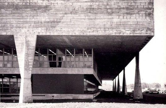 FAU-USP I Vilanova Artigas e C. Cascaldi I 1962-68