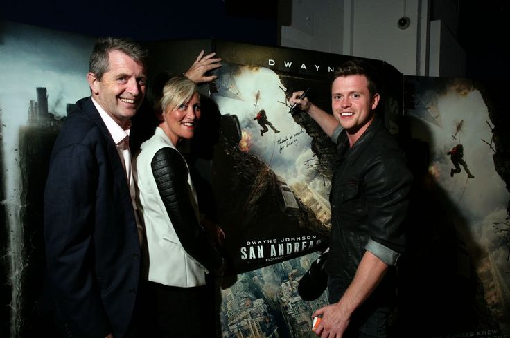 The actor watched the action film San Andreas with friends and family at the Odeon Printworks