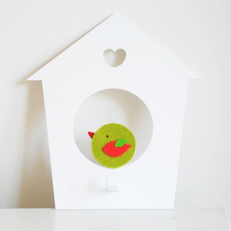 Birdhouse wall hook. Green bird. Bird kids decor. Scandinavian style. Baby wall hanger. Nursery decor. Wall hook for kids. Baby wall decor. de KalmayVioleta en Etsy