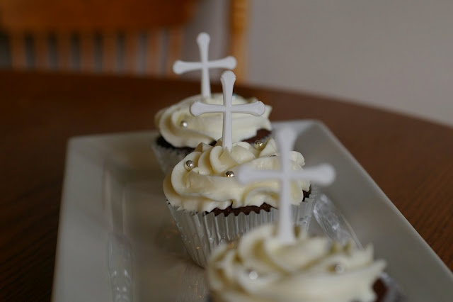 Cupcake Decorating Ideas For Church : 14 best images about Spiritual Theme on Pinterest ...