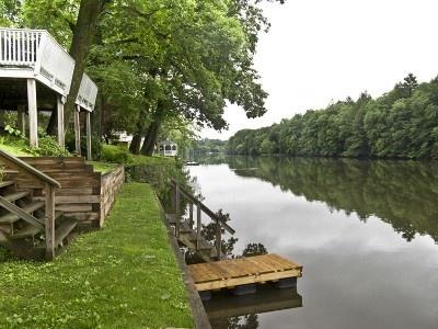 Woodstock Design Waterfront Deck Private Dock Kayak