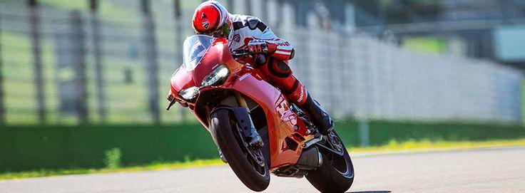 Ducati PANIGALE 1299  Per info: http://www.rent360.it/it/offerta/2156-Ducati-PANIGALE