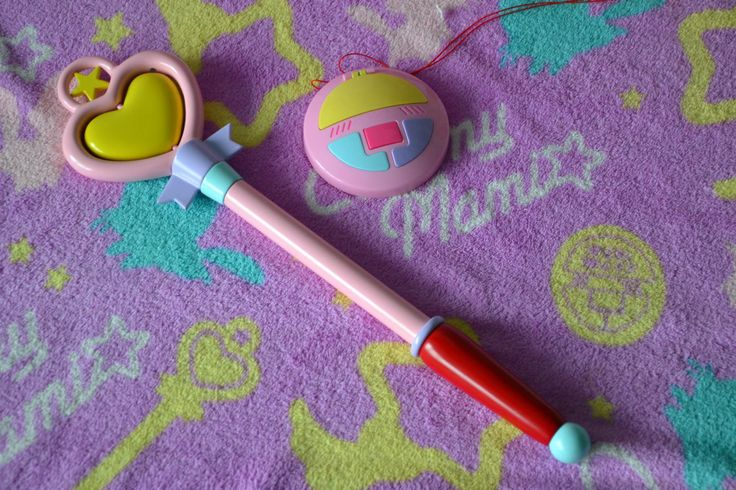 Creamy Mami stick + medallion