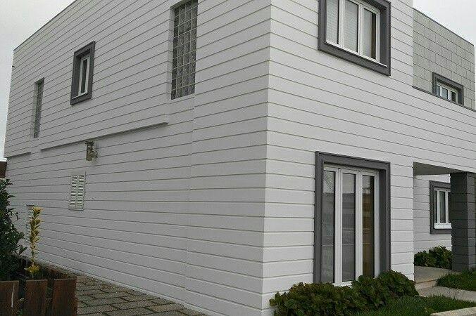 Fachada Sate Arquitectónico ISOTHERM. Sistema de aislamiento por el exterior a base de placas EPS con diferentes acabados que se anclan a la fachada para un posterior pintado de la misma.