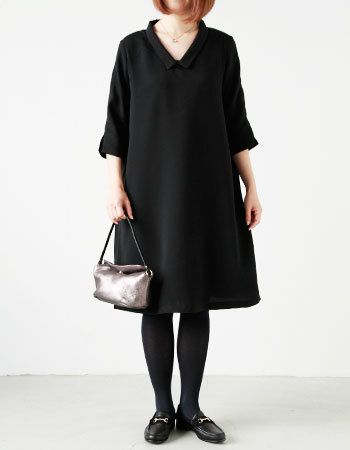 柔らかい印象のブラックAライン 入学式ワンピース スタイル ママ