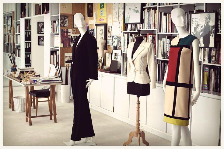 Dans le studio de Monsieur Saint Laurent:  les 14 et 15 septembre à la Fondation Pierre Bergé Yves Saint Laurent, 5 avenue Marceau 75116 Paris. Informations : www.journeesdupatrimoine.culture.fr