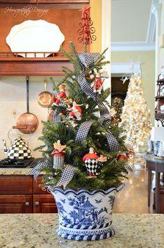 Fish Aquarium - Decorations | Christmas interiors ...