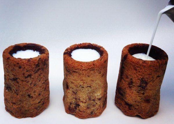 """「クロナツ」生みの親から新作!ミルクを中に注いで飲める """"グラス型"""" クッキー!?"""