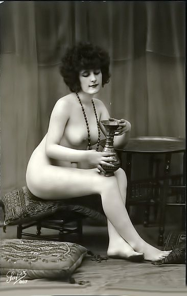 Remarkable, classic nude vintage pinup