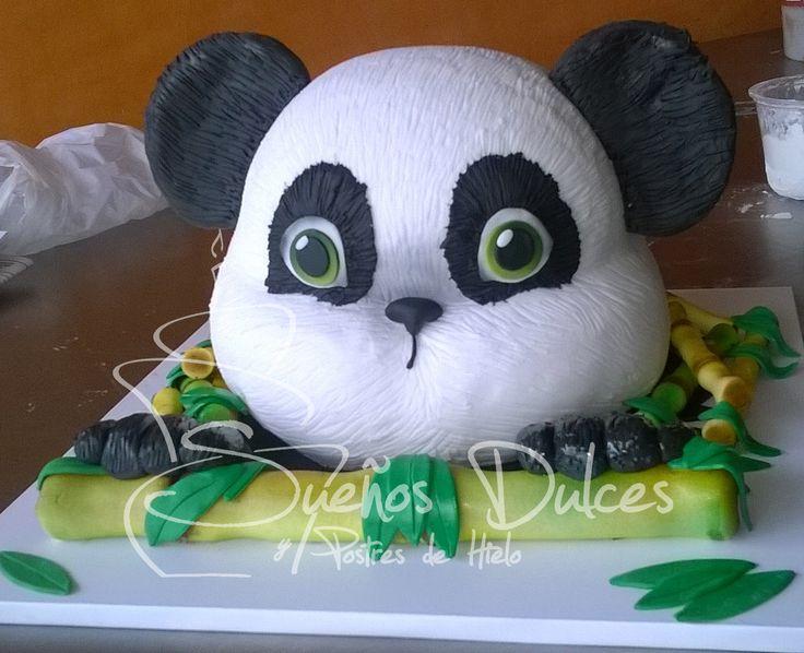 Oso Panda en Torta - Sueños Dulces Bucaramanga