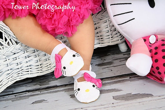 hello kitty: Shoes Handmade, Hello Kitty Baby, Handmade Soft, Baby Girl, Hellokitty, Kitty Inspired, Hello Kitty Shoes, Baby Shoes