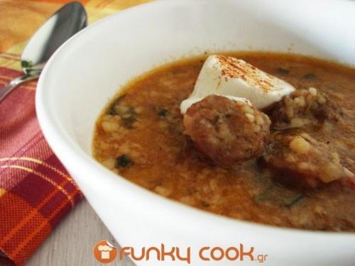Σούπα με Τραχανά και Χωριάτικο Λουκάνικο!