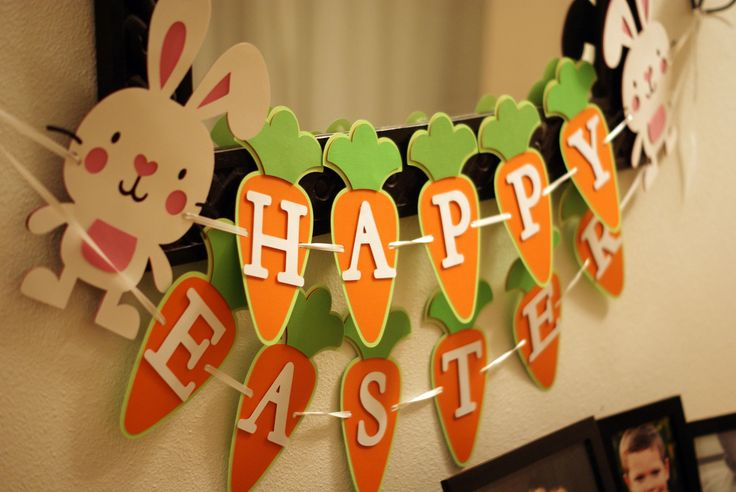 Happy Easter banner from Pinwheel Lane on etsy