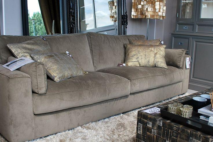 25+ beste idee u00ebn over Fluwelen bank op Pinterest   Fluwelen sofa, Blauwe fluwelen bank en Blauwe