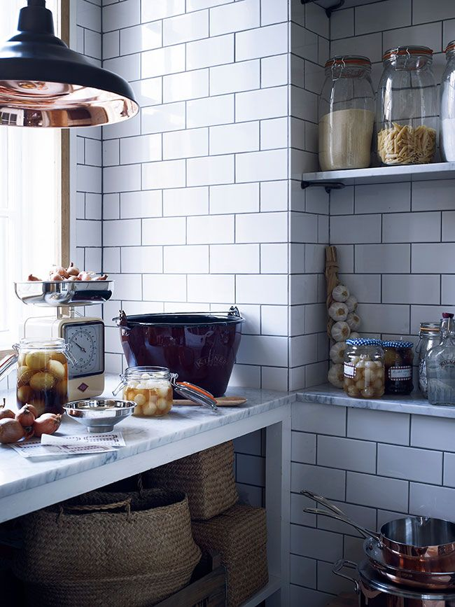 Fired-Earth-kitchen---The-Relxed-Home-shows-you-how-to-get-the-Downton-Abbey-look-in-your-kitchen