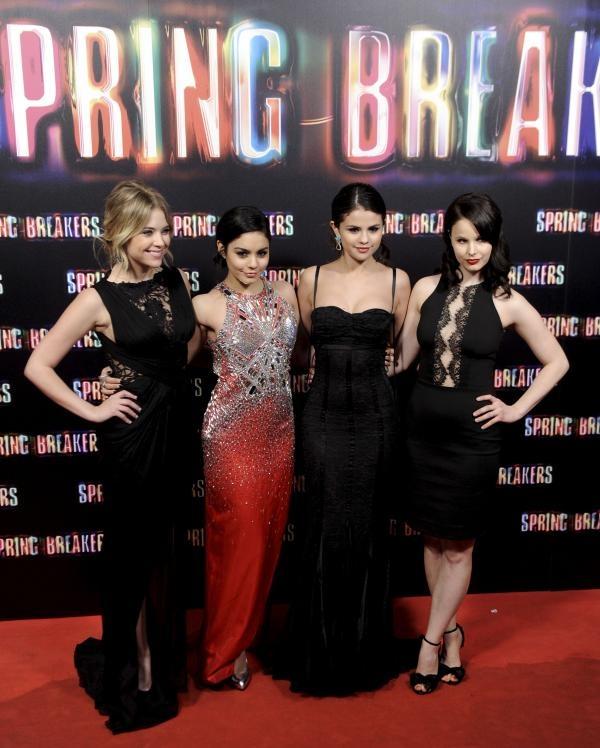 Ashley Benson, Vanessa Hudgens, Selena Gomez, Rachel Korine