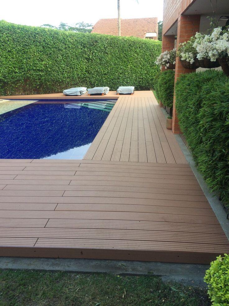 Deck piscina en WPC por TECMAPLAST Cali