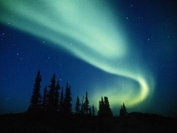 Aurores boréales Les aurores boréales sont l'un des plus beaux phénomènes naturels. Elles sont produites par l'activité du Soleil et du…