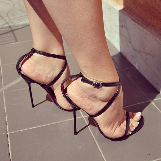 Louboutin Frauen Schuhe