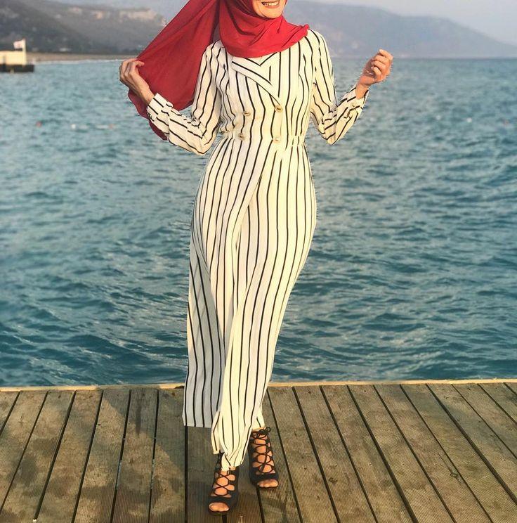 Hijab Fashion   Nuriyah O. Martinez   94 vind-ik-leuks, 4 reacties - Tesettür ve Genc Moda (@nurtensmodebutike2515) op Instagram: '...Bir Sevdasin Türkiyem... Gelicek Kollektionumuz'un gözde ürünlerinden bir tanesi daha gelsin…'