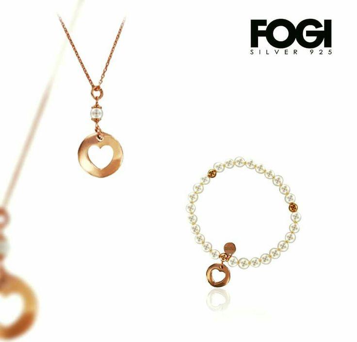 Ciondolo e bracciale realizzati in argento e perle. FOGI Silver. #fogisilver #argento #madeinitaly #jewelry #jewels #ciondolo #collezione #bracciale #perle #love #donna