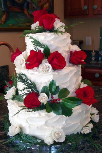 christmas wedding cakes   Tiaras and Bowties: Christmas Wedding Cake Poll