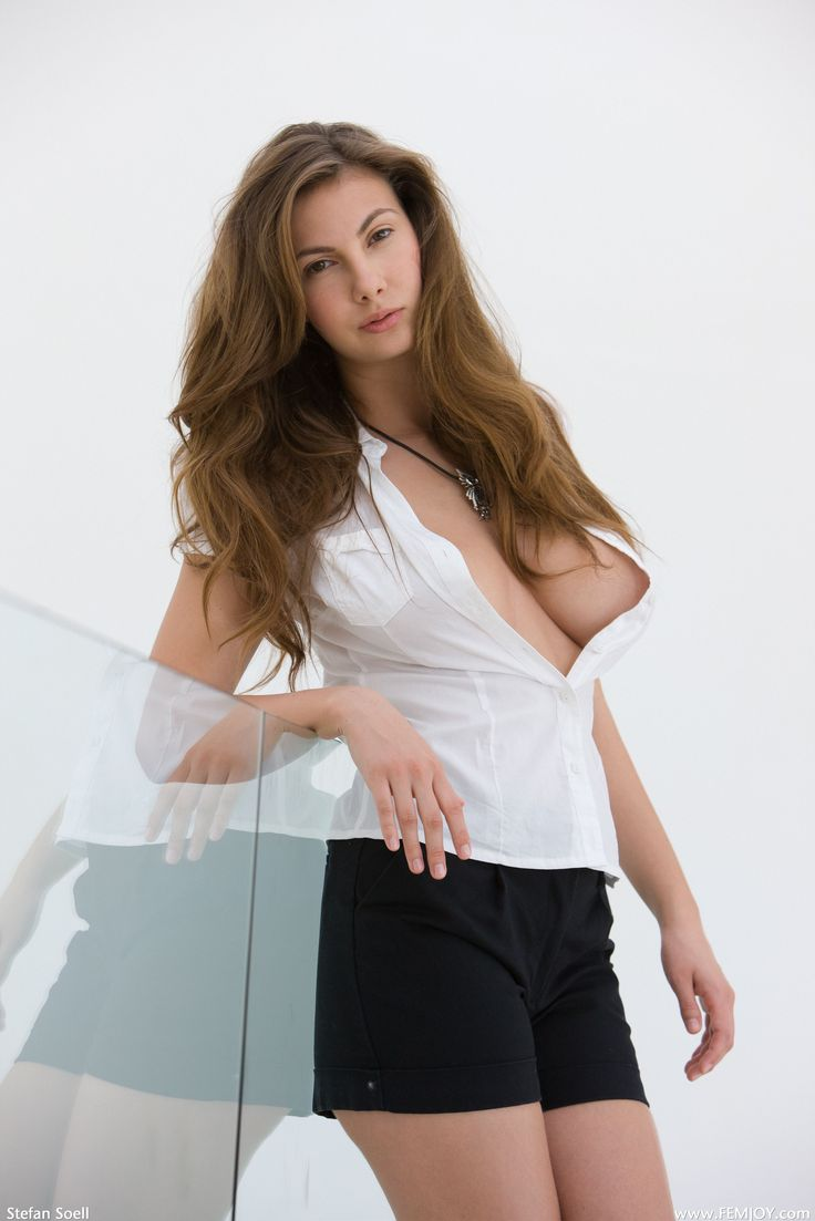 sexy brunetes