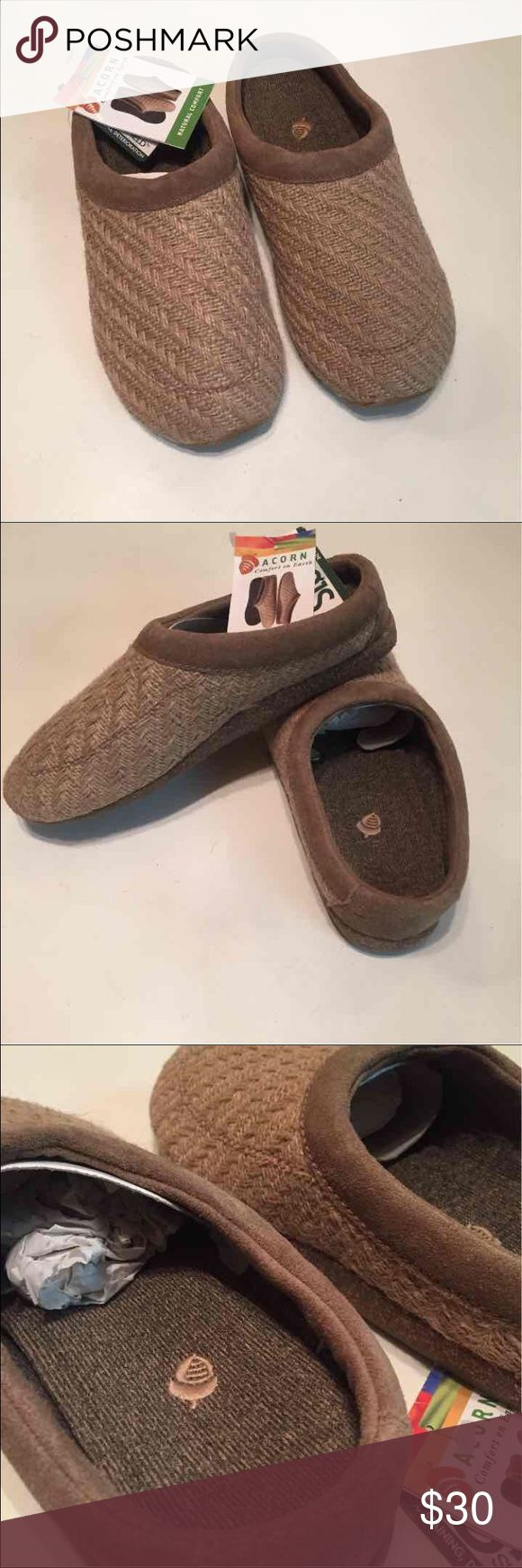 Acorn slip on jute clogs/mules shoes 8 NWT never worn. Acorn comfort on earth jute and cork slip on clogs. Very comfortable shoes Acorn Shoes Mules & Clogs