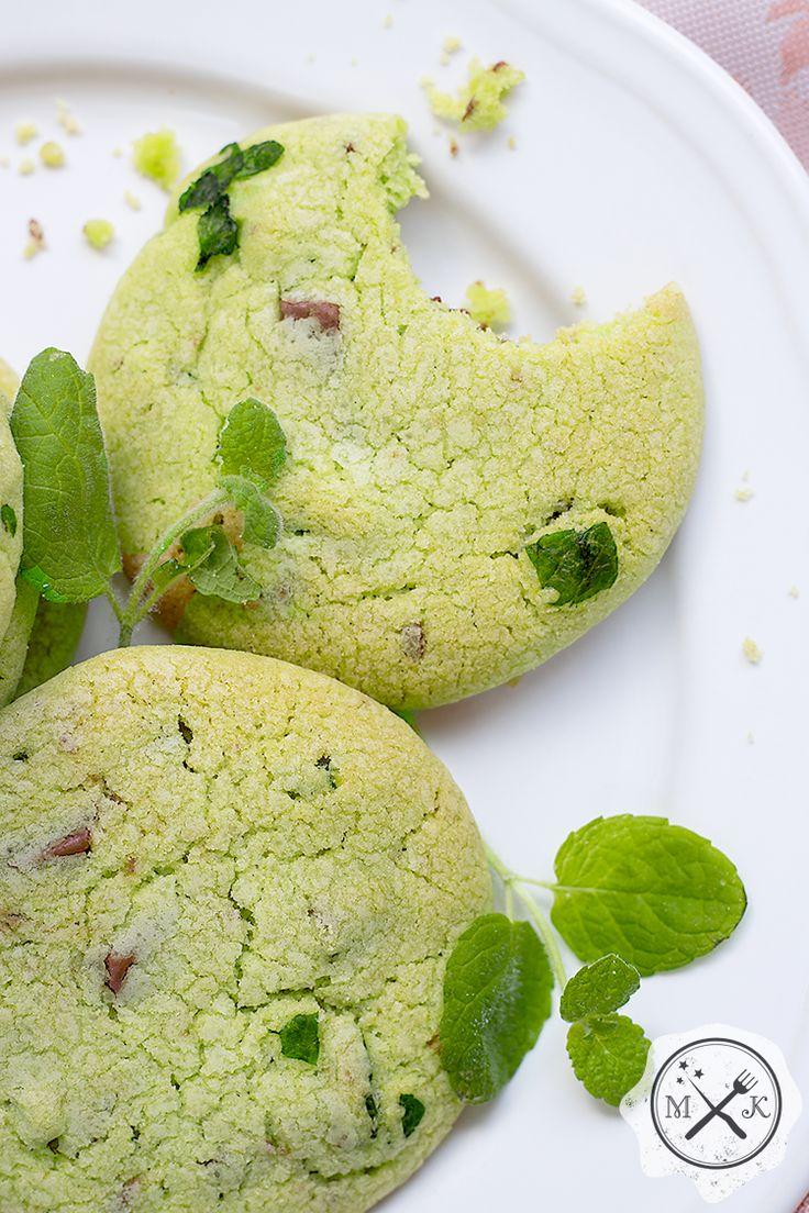 Domowe ciasteczka miętowe Pani Weasley / Mrs. Weasley's Homemade Mint Cookies już na blogu miodowekrolestwo.wordpress.com lub tutaj: https://miodowekrolestwo.wordpress.com/2017/05/23/ciasteczka-mietowe-pani-weasley/
