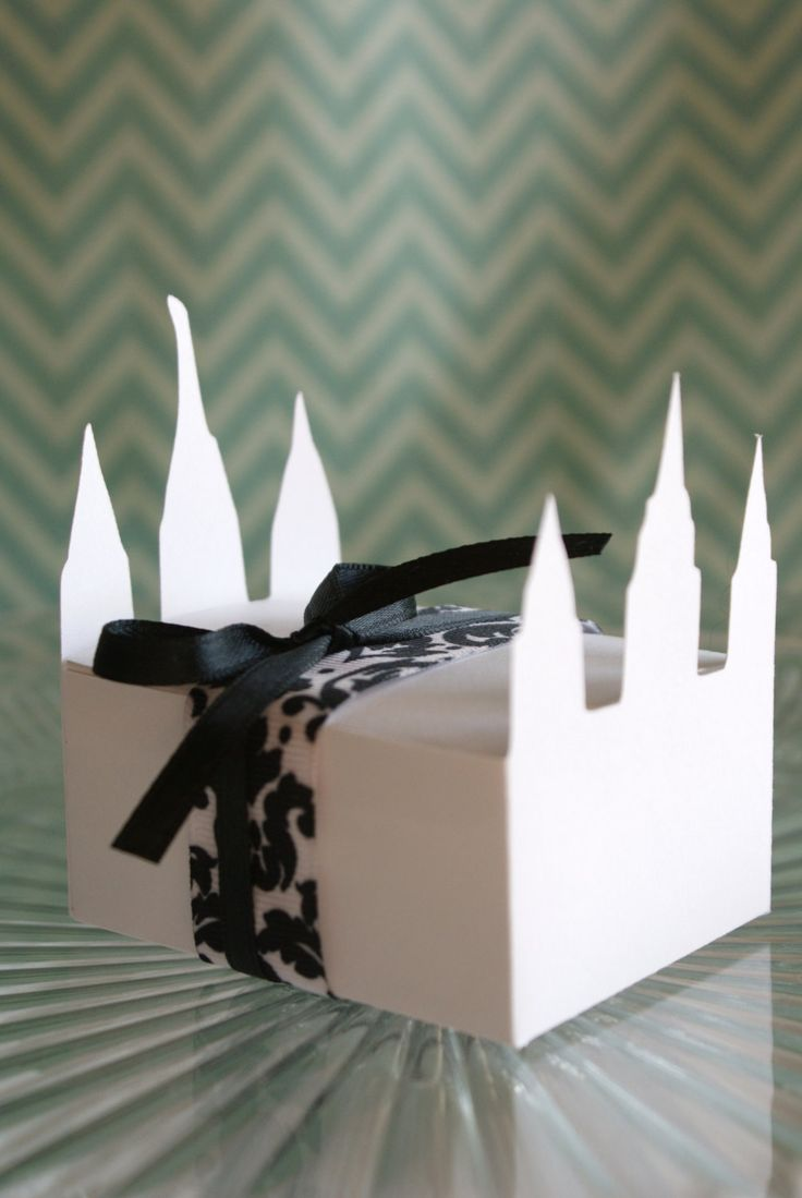 Temple Treat Boxes --  Set of 12. $4.75, via Etsy.